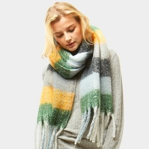 Green/multi-color, super large, scarf